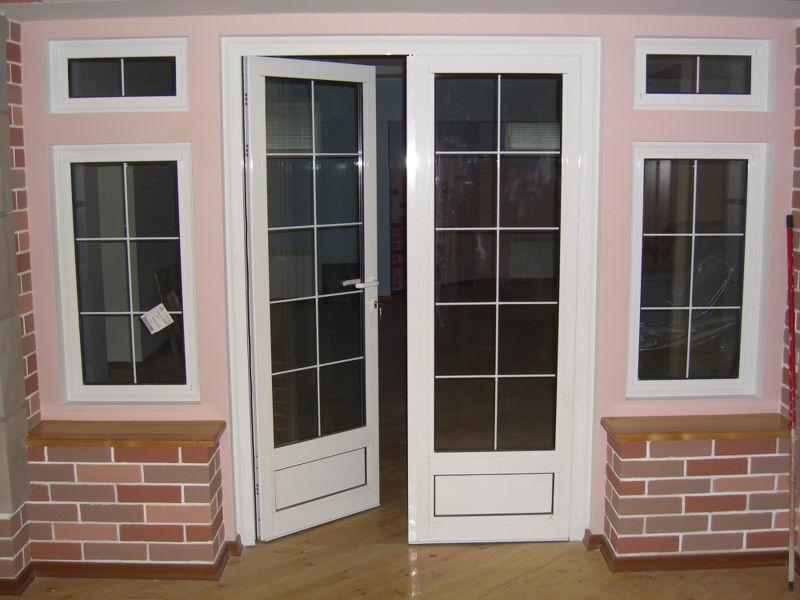 Классические шпросы на дверях и окнах